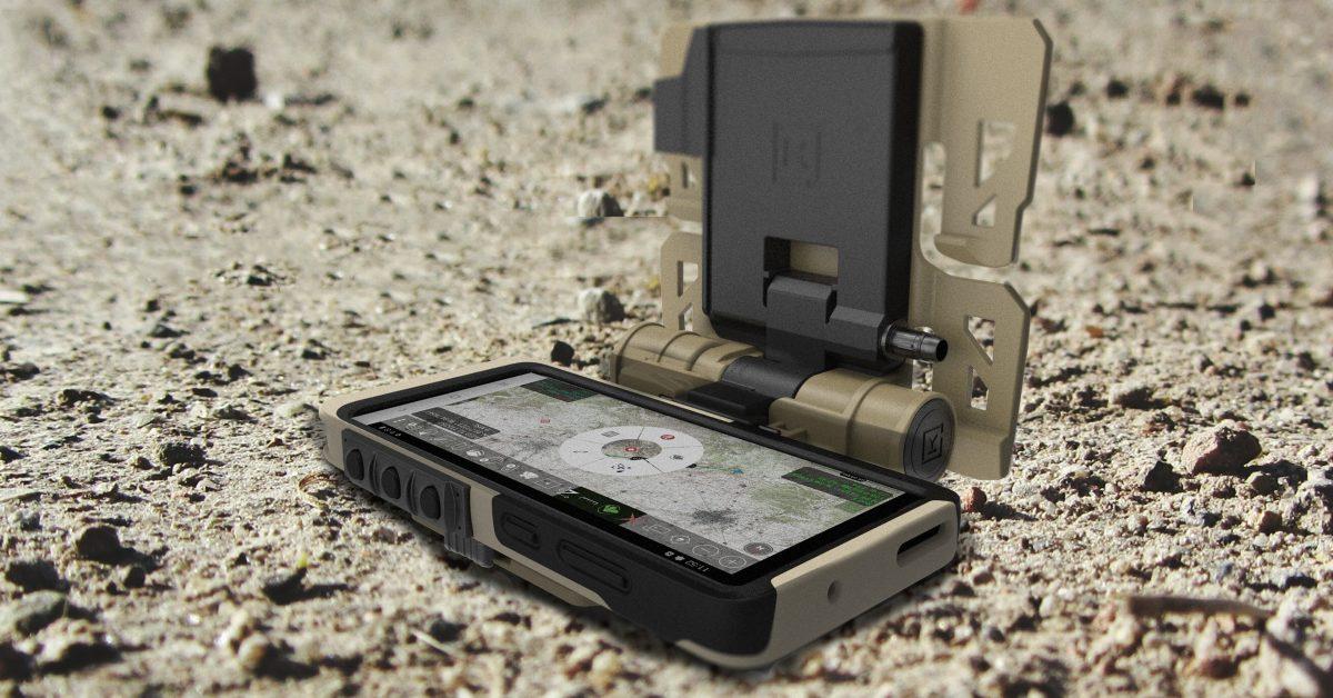 Samsung představil mobil pro vojáky. Čím se liší?