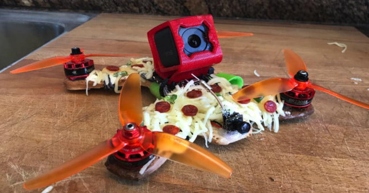 DeDrones sestrojí dron z čehokoliv. Klidně i z pizzy!