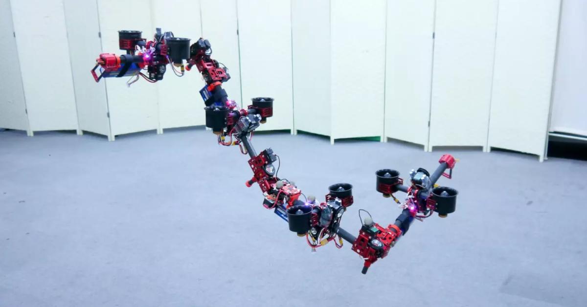Létající exot! Dračí dron chce být Iron Man