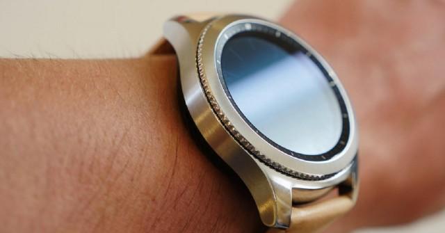 Nové hodinky od Samsungu možná poběží na Androidu