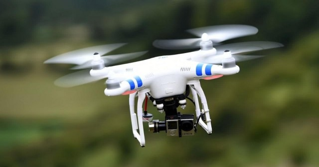 Dron až od osmnácti? Britové připravují nový zákon