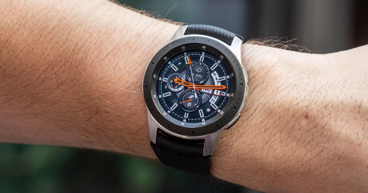 Bizár! Chytré hodinky od Samsungu mají ručičky a tikají