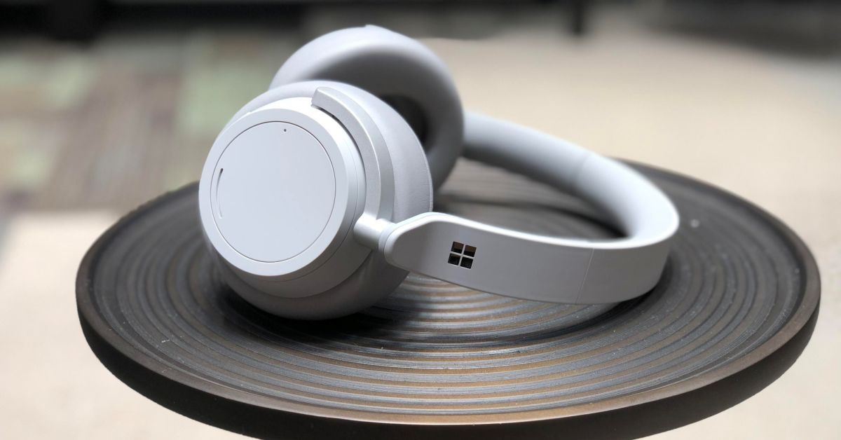 Sluchátka od Microsoftu ovládáte otáčením prstenců
