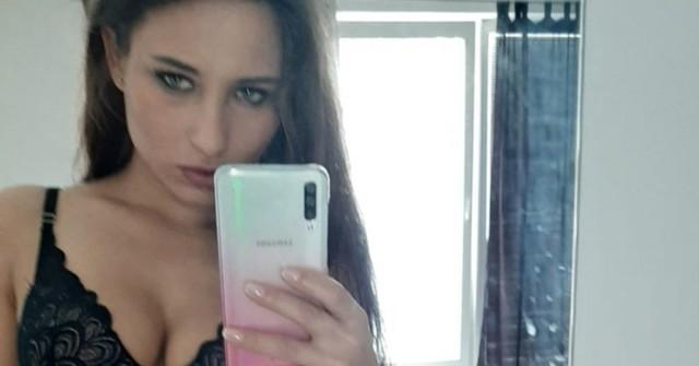 Holka dne: brunetka Sanny zHradce
