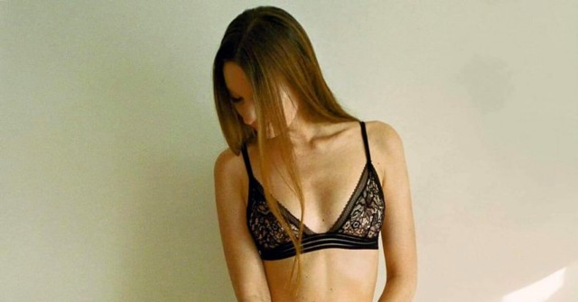 Holka dne: stydlivá Bella zPrahy