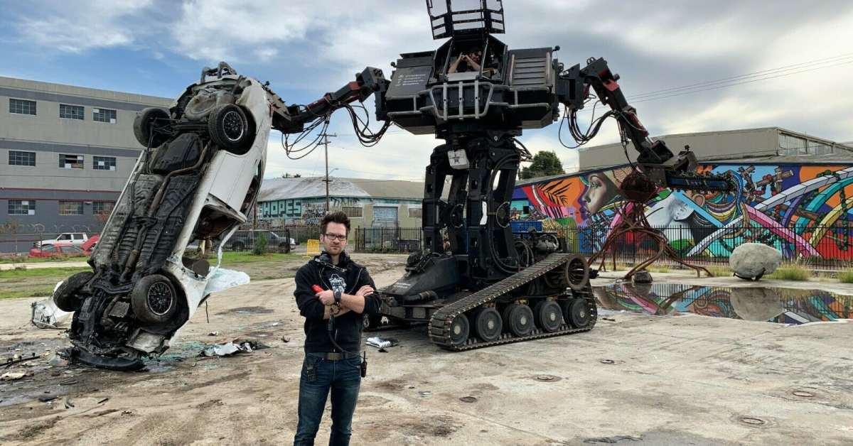 Na internetové aukci se objevil obří bojový robot